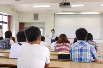 経営学部模擬授業 「GDPで日本経済を学ぶ」