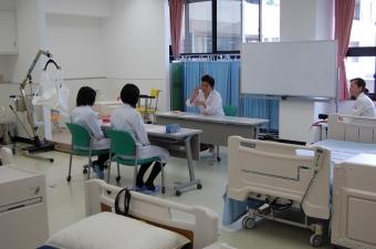 「看護の役割 看護職への道」「高齢者体験など」